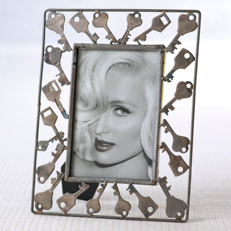 "Shiraleah Home Accessories:  -4""x 6"" picture frame"